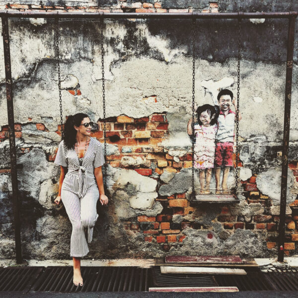 graffiti columpio