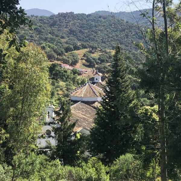 Ermita de la Virgen del Monte.  Escapada rural a la Sierra Norte