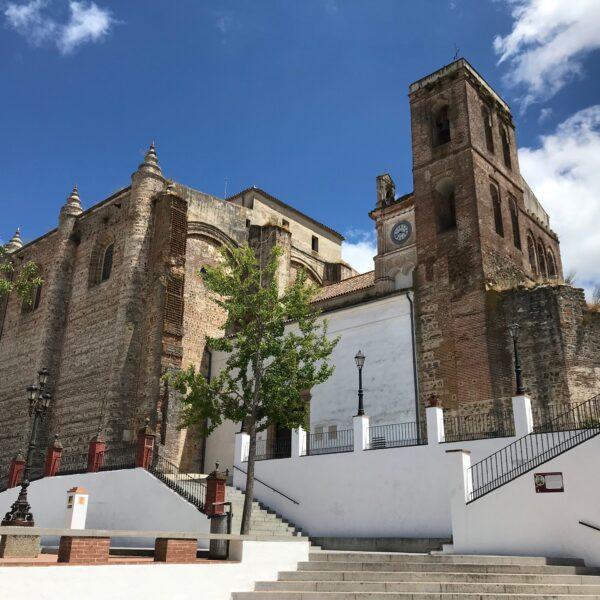 Plaza Mayor de Cazalla. Capital de turismo rural y escapada rural a la sierra norte